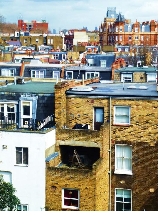 Blick vom Earls Court über die Dächer von South Kensington.