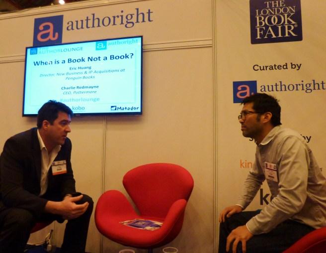 """Eric Huang (rechts) Leiter New Business & IP Aquisitions bei Penguin im Gespräch mit Charlie Redmayne von J.K. Rowlings´ """"Pottermore"""" im Gespräch über das Thema: """"Wann ist ein Buch kein Buch (mehr)?"""""""